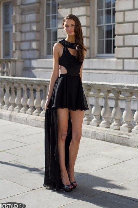 фото девушек в коротких чёрных платьях