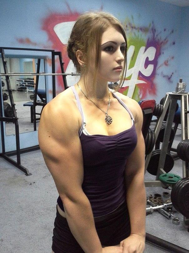 девушка бодибилдер