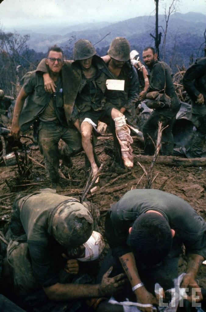 guerre du vietnam - Page 2 3SOw_62DLd4