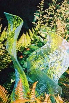 Садовый декор. Стекло в саду. (6 фото) - картинка