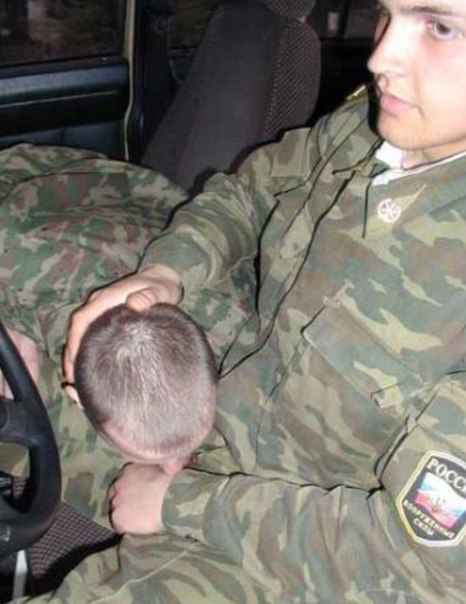 фото солдат геев