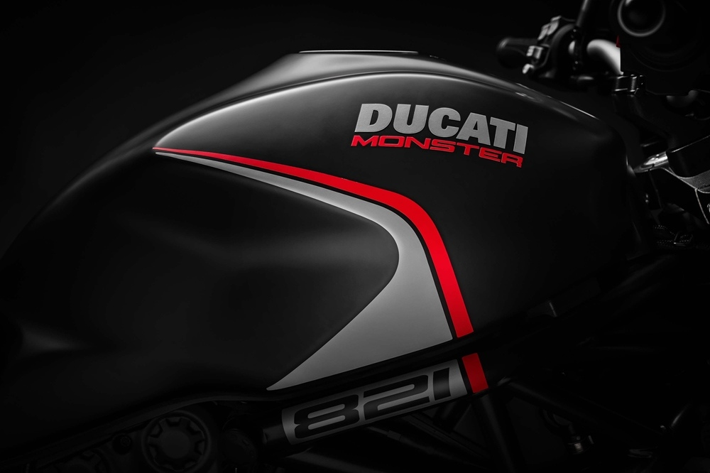 EICMA 2018: Нейкед Ducati Monster 821 Stealth 2019