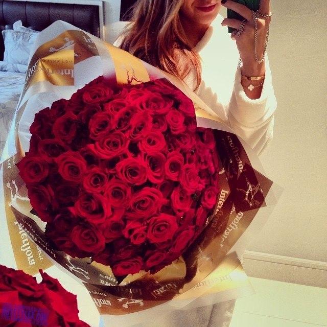 Каким цветом подарить девушке розы