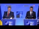 В Сети высмеяли выступление Порошенко перед пустыми стульями на саммите НАТО