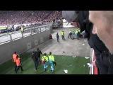 Фанат Аякса упал с 10-метровой высоты, празднуя гол Барселоне  26/11/2013