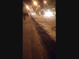 Минск 18 января. Авто ездит по тротуару