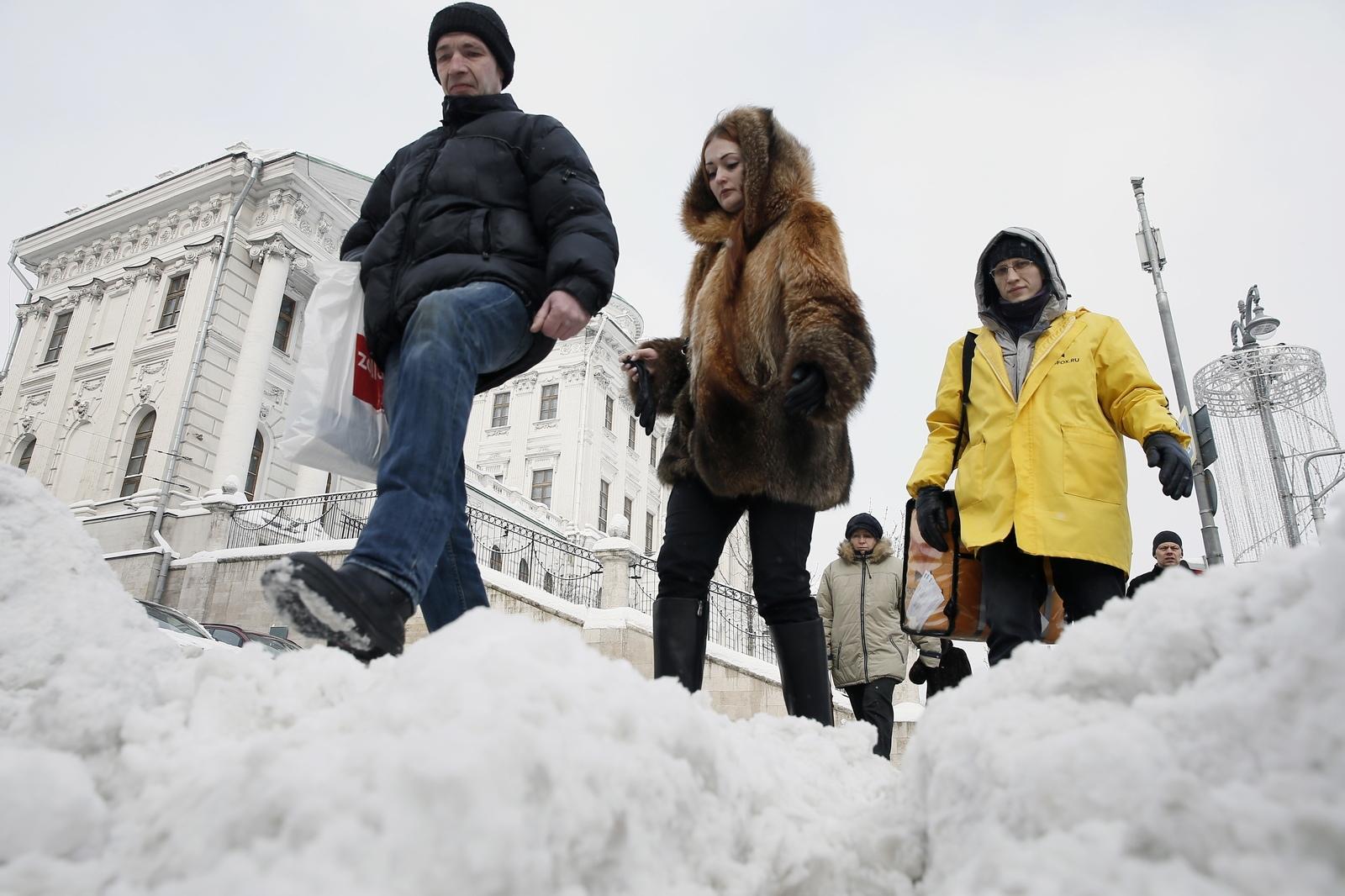 Петербуржец отсудил у дорожного предприятия 500 тыс. рублей за падение на тротуаре