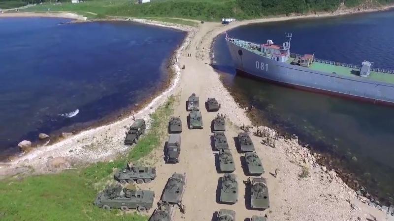 В рамках манёвров Восток-2018 морпехи Тихоокеанского флота отработали загрузку на транспорт материально-технических средств и бо