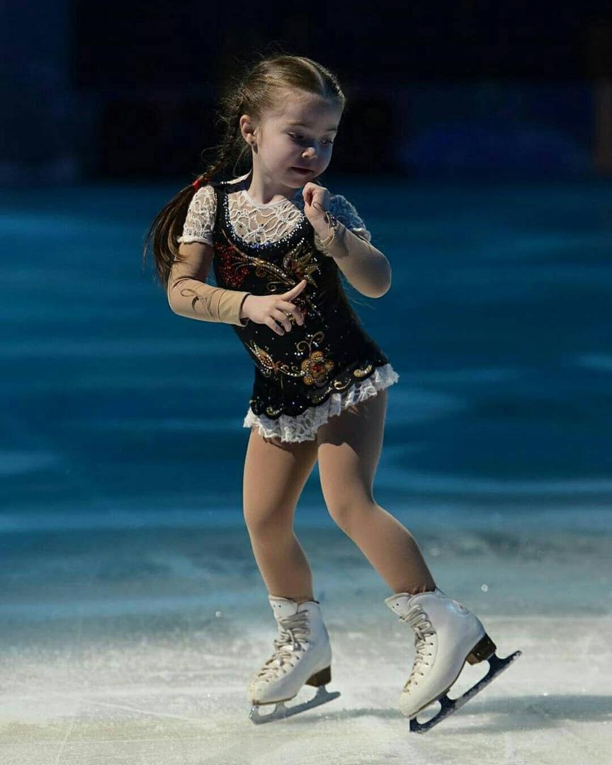 Ледовые шоу-5 - Страница 48 Khy4hJb41JM