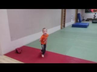 Как начать заниматься спортом с детства.mp4