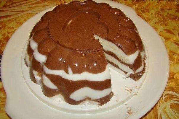 Слоеный сметанный торт