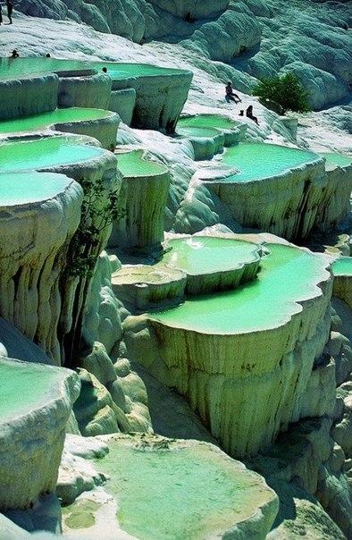 Минеральные бассейны в Памуккале, Турция