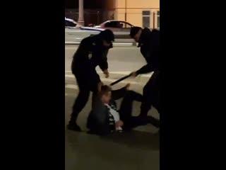 Первого мая полицейские избили участников бесплатного музыкальный фестиваля Hip-Hop Mayday