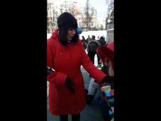 Видео отзывы теплые скамейки с USB Москва Патриаршие холодный МАРТ 2018го