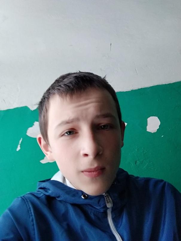 Міша Лазарович |