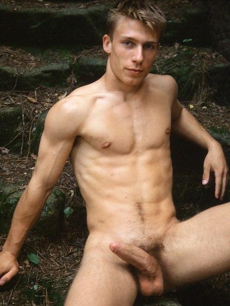 голые мужчины в душе: