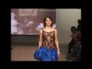 Сати Казанова с голой грудью на показе коллекции одежды Анастасии Железновой на Российской Неделе моды октябрь 2007