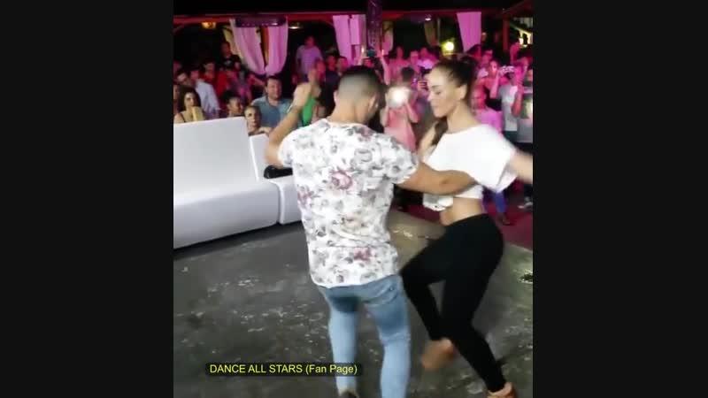 BACHATA DOMINICANA ROMPE CORAZONES ❤😍❤🔥👌🏼 LIKE : DANCE ALL STARS SIGUELOS EN INSTAGRAM @billrojas_official 🔥😍🔥👇🏼👇🏼👇🏼👇🏼👇🏼 FOLLOW