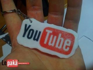 Лого-брелок YouTube из полимерной глины. YouTube logo of polymer clay