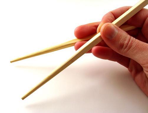 Почему же в Азии кушают палочками