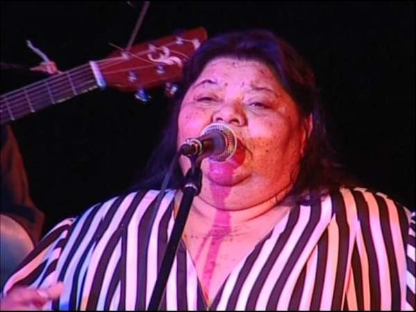 Vera Bila Kale Live 1. Pro Kalo Gadoro (Black Shirt) - Concert - Interview