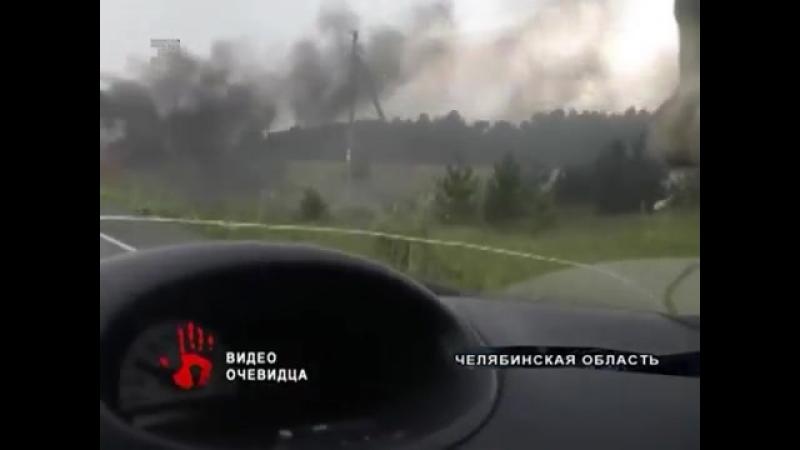 Весь в огне Внедорожник загорелся на трассе в Челябинской области