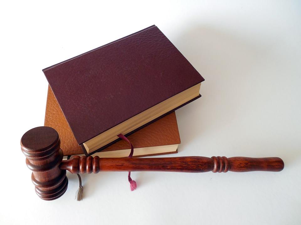 Десятки банковских счетов арестовали у злостных неплательщиков за ЖКУ из Бибирева