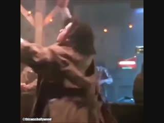 Самые горячие танцы Джона Траволты