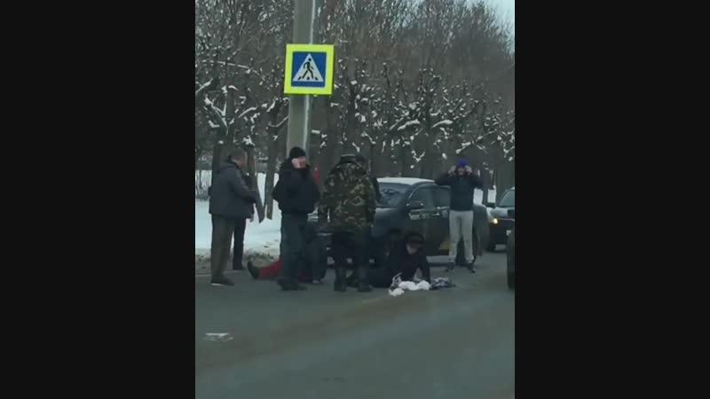 В Пензе водитель сбил двух женщин на «зебре»