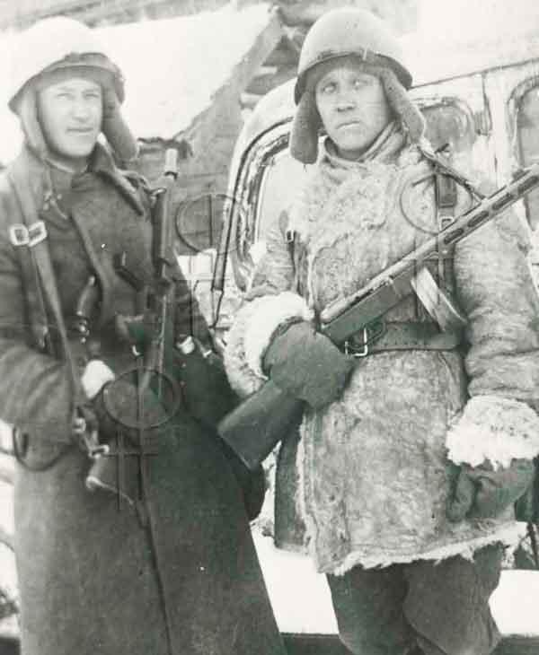 Советские бойцы