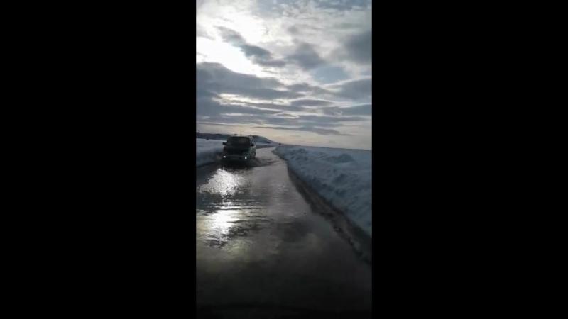 Ледовая переправа через Анадырский лиман.