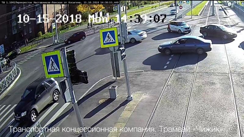 Дтп с мото 15.10.2018 на перекрестке ул. Ленская и пр. Наставников