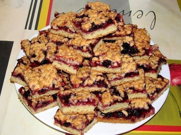 Печенье с вареньем Ингредиенты: -500-550 гр. муки -180-200 гр. сливочного