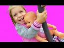 Видео для девочек Как Мама играть в куклы Беби Бон на детской плошадке Играем в в...