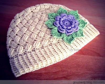 Gorra de ganchillo de los niños con una gran flor ...