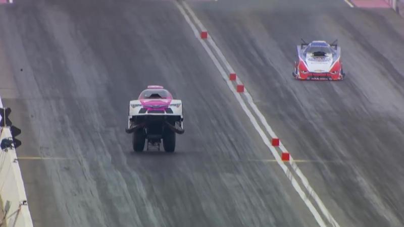 Must WATCH AMAZING NHRA Funny Car run in Las Vegas