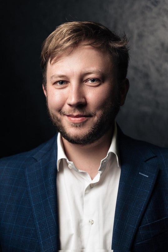 Артём Титов  