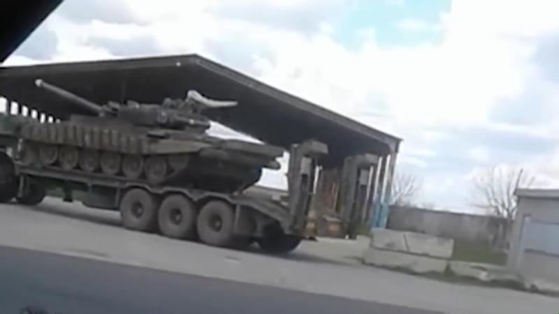 Танки ВСУ движутся в сторону Донбасса