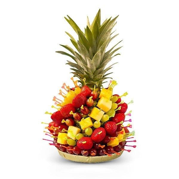 Букет из фруктов в виде ананаса.  Варианты исполнения продукции.  Фруктовый букет - ананас.