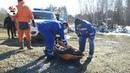 Спасателя, утонувшего на снегоходе, достали коллеги