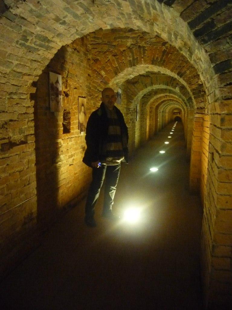 Потерна в стене Петропавловской крепости - памятник отечественной фортификации