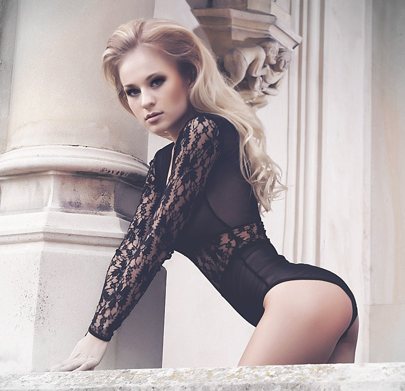 anal-s-ukrainskoy-modelyu-na-yahte-lyubitelskoe-video
