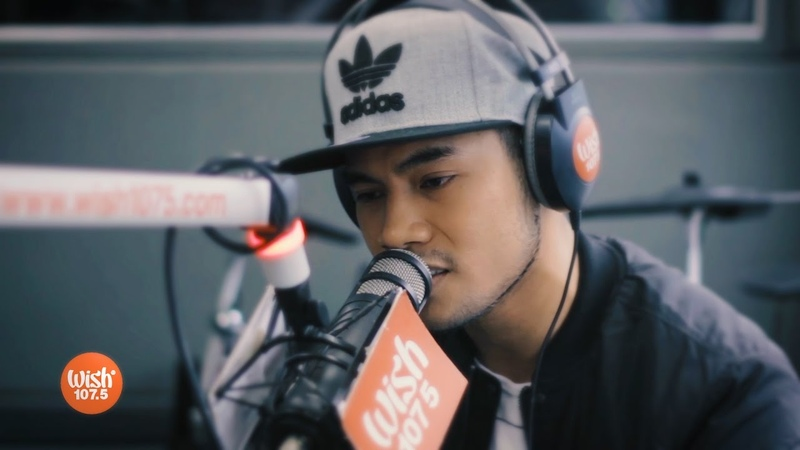 Bugoy Drilon covers Cant Take My Eyes Off You LIVE on Wish 107.5 Bus
