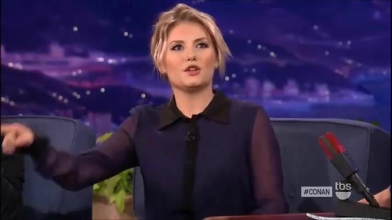 Elisha Cuthbert chez Conan le 24 octobre 2012