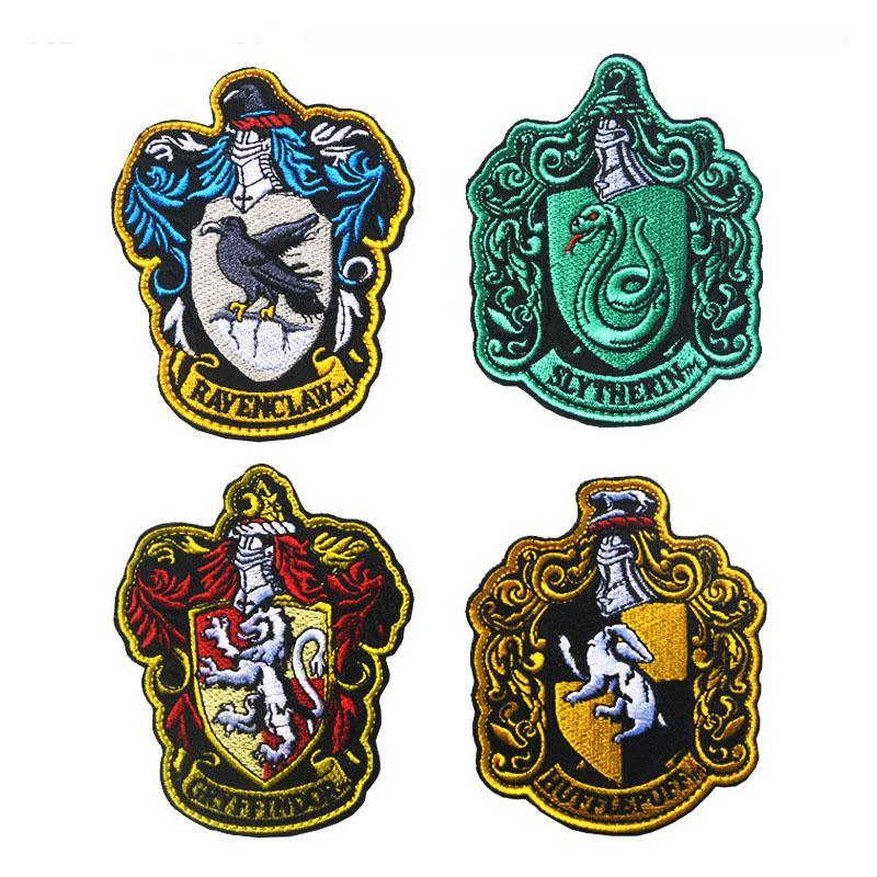 Нашивки с гербами факультетов Хогвартса 228