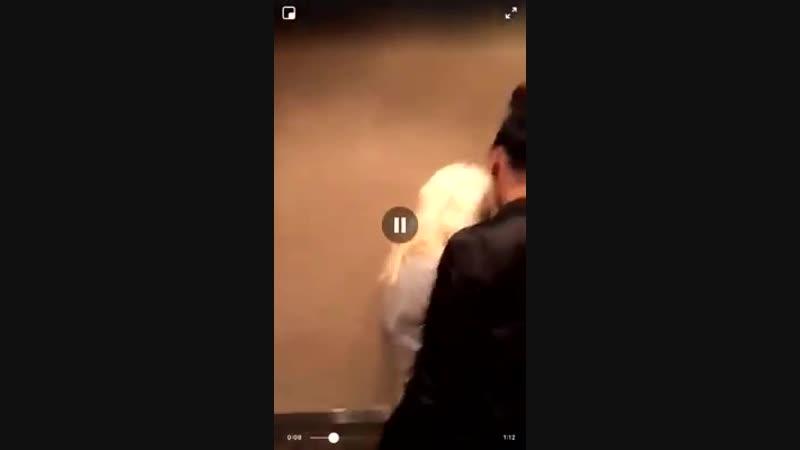 Garota fortemente agredida por ser branca