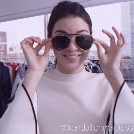 "Kendall Jenner Updates on Instagram: ""🧡😍kenny💕🔥 @kendalljenner @gigihadid @kuwtk @kardashians ————————————— 🤗follow @kendalljennerdress for more🤗 —..."
