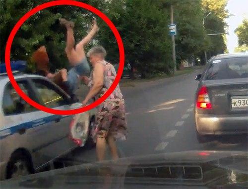 Следком Ростовской области занялся делом о ДТП, в котором сотрудники ДПС сбили 20-летнюю девушку