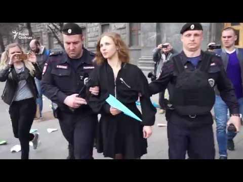 Акция в защиту Telegram у здания ФСБ. Задержания