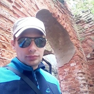 Александр Глухарёв